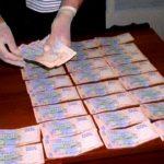 На взятке поймали мэра Люботина и депутатов местного горсовета