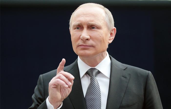 США будут «выкручивать руки» Порошенко ради компромисса сРоссией