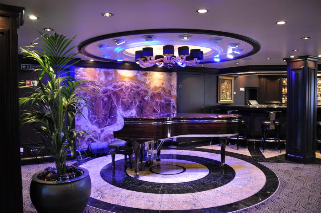 Grand бар