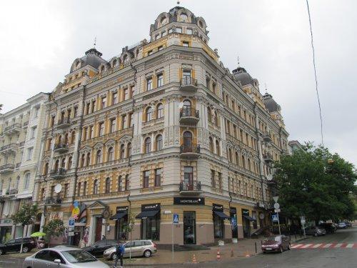 Дом Кличко и клуб Рио