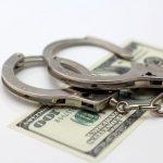 Эксперт: Чтобы побороть коррупцию, нужно посадить 50 тысяч чиновников