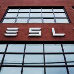 Panasonic инвестирует в производство солнечных батарей Tesla