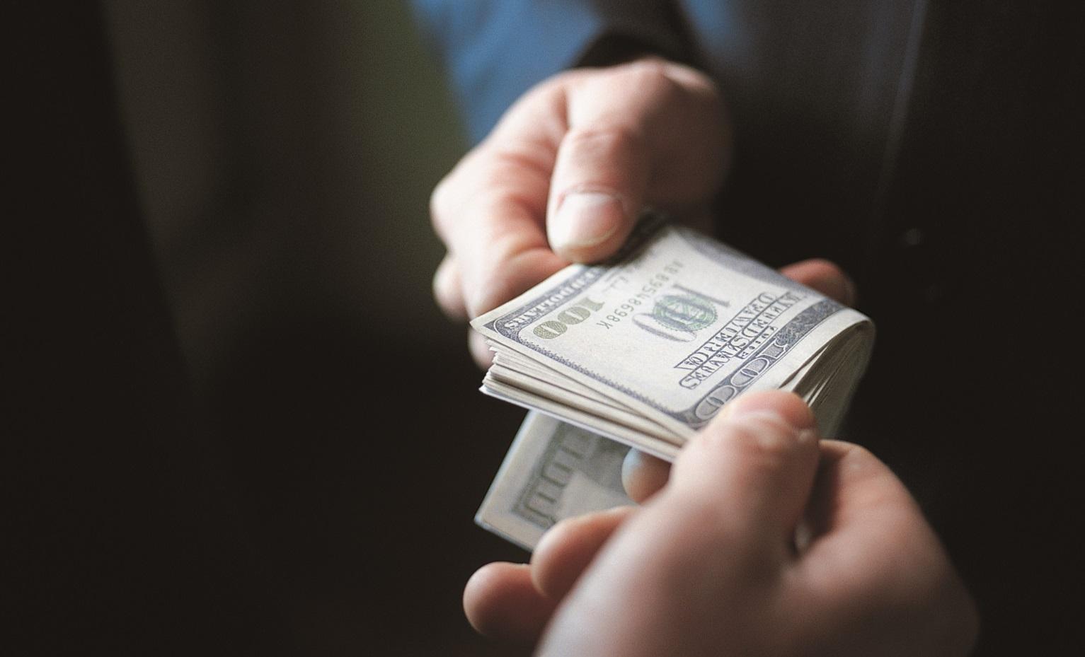 В Могилеве завполиклиникой судят за коррупцию