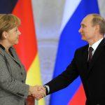 Меркель призвала к развитию хороших отношений с Россией