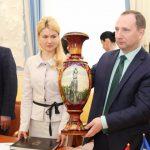Окружение советника Райнина собирается получить бесплатно 1,5 га земли от мэрии Геннадия Кернеса, Юлия Светличная оказалась в доле