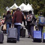 Канадская армия возводит на границе с США временные лагеря для беженцев