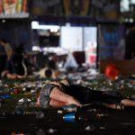 Нападающий в Лас-Вегасе убил более 50 и ранил более 200 человек