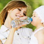 В минеральной воде из бутылок нашли микропластик
