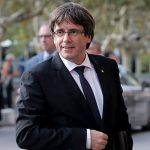 Испанский суд блокирует избрание Пучдемона главой Каталонии