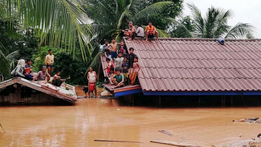 Прорыв плотины гидроэлектростанции на юго-востоке Лаоса