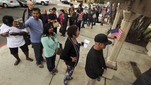 Голосование на участке в Лос-Анджелесе