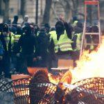 Исчезновение среднего класса, миграционный шок, упадок образования. Проблемы Франции накапливались десятилетиями