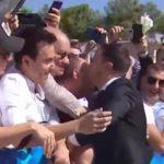 Зеленский эмоционально поцеловал Кошевого под Верховной Радой (видео)