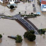 Сильнейший тайфун в Японии за 60 лет: погибли уже 35 человек