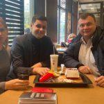 Двух народных депутатов «застукали» в McDonalds