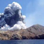 Количество погибших из-за взрыва вулкана в Новой Зеландии возросло до 6 человек