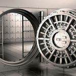 Сотрудник банка, укравший $88 тысяч, опубликовал фотографии с деньгами в соцсетях