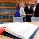 Соглашение о выходе Британии из ЕС подписали в Брюсселе
