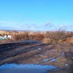 В Славянске рядом с ландшафтным парком растет стихийная свалка: фото