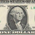 Доллар рекордно взлетел, преодолев психологический рубеж