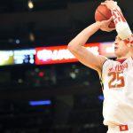НБА: Атланта обменяла украинца Лэня в Сакраменто