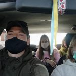 В Лиманской ОТГ волонтеры подвозят медиков к месту работы