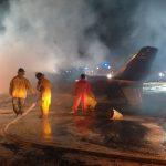 На Филиппинах загорелся самолет: 8 человек погибли, среди них были медработники