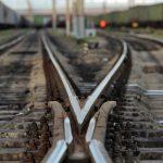 На станции «Слатино» мужчина бросился под поезд