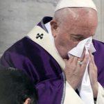 Папа Римский изменит формат воскресной службы из-за коронавируса