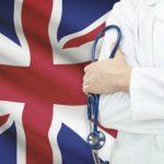 Правительство Великобритании просит врачей на пенсии помочь в борьбе с коронавирусом