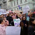 Плакаты, полиция, «гроб феминизма»: как прошел Марш женщин