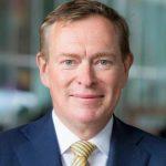 Министр здравоохранения Нидерландов упал в обморок во время дискуссии о коронавирусе: видео