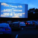В Германии и Южной Корее набирают популярность автокинотеатры под открытым небом