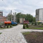 В Краматорске завершают обустройство нового сквера: фото