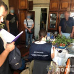 Правоохранители нашли у жителя Изюма боеприпасы и наркосредства (фото)