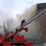 В Славянске сгорел единственный действующий дом культуры: что удалось спасти и чего ожидать