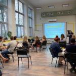 В Мариуполе готовят первых выпускников школы предпринимательства