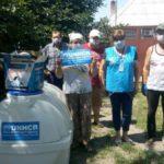 Волонтеры обеспечили жителей прифронтового села Водяное емкостью для запаса воды