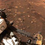 Марсоход Perseverance впервые проехал по поверхности Марса