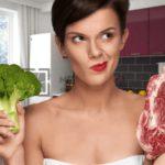 Диетолог рассказала о вреде отказа от мяса